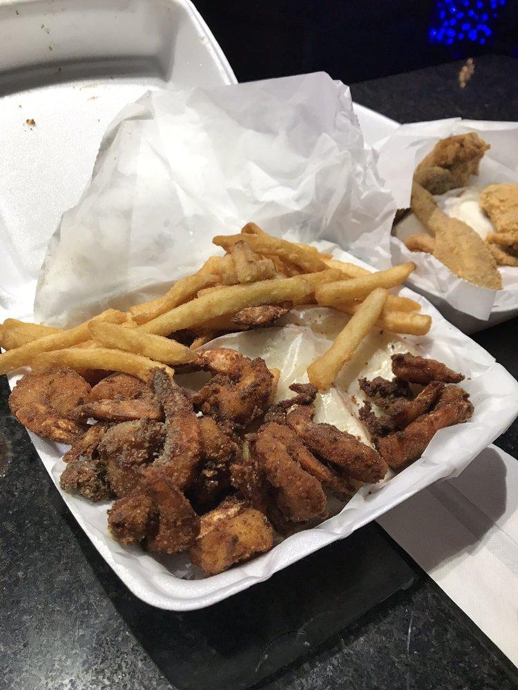 Shark's Fish & Chicken: 120 W Joe Orr Rd, Chicago Heights, IL