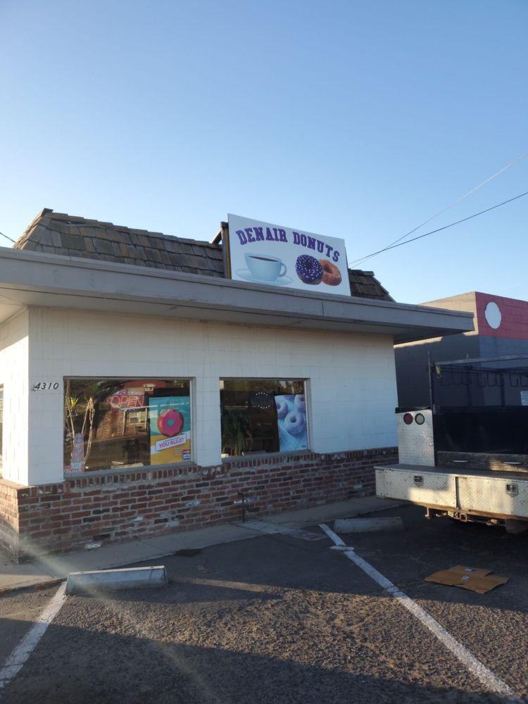 Denair Donuts: 4310 Main St, Denair, CA