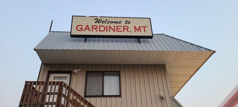 Conoco: 401 Scott St W, Gardiner, MT
