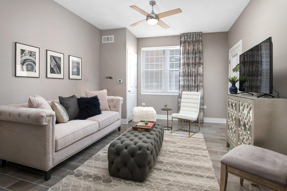 500 Station Blvd Luxury Apartments: 675 Station Blvd, Aurora, IL
