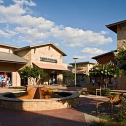 2818a5121 Round Rock Premium Outlets - 94 Photos   156 Reviews - Outlet Stores ...