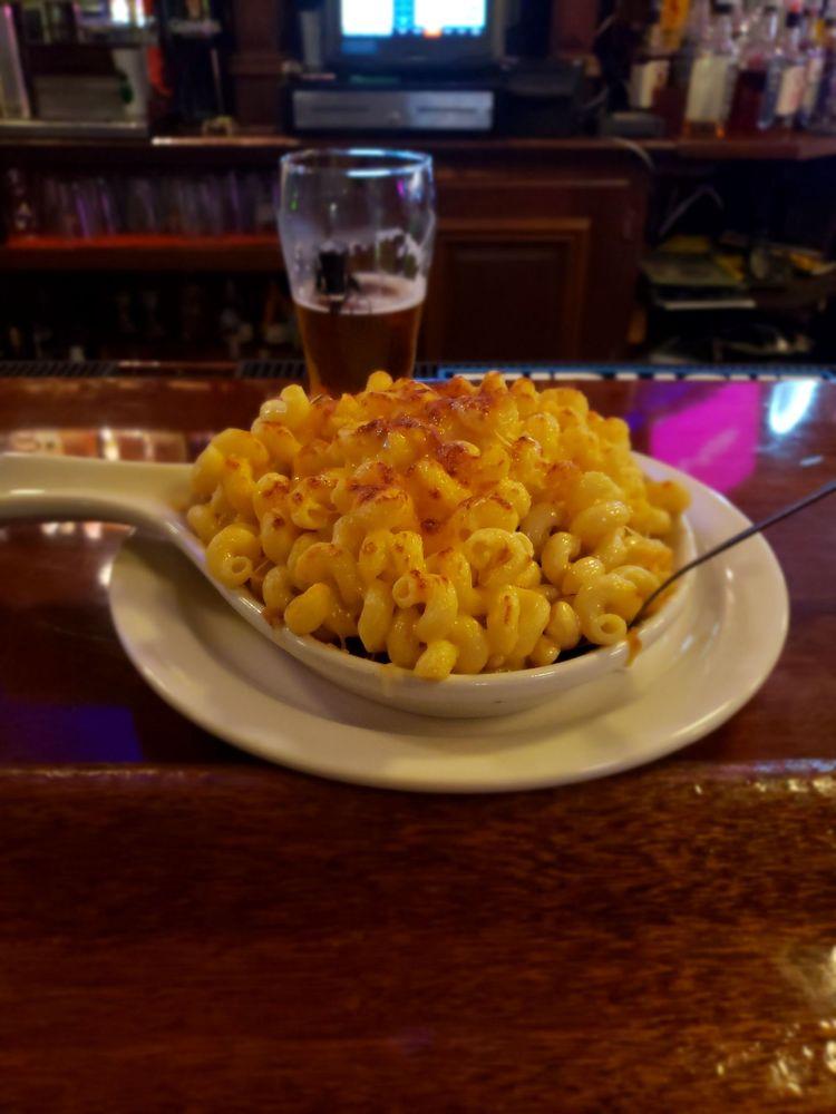 Molly's Irish Grille & Sports Pub: 4 E 4th St, Bethlehem, PA