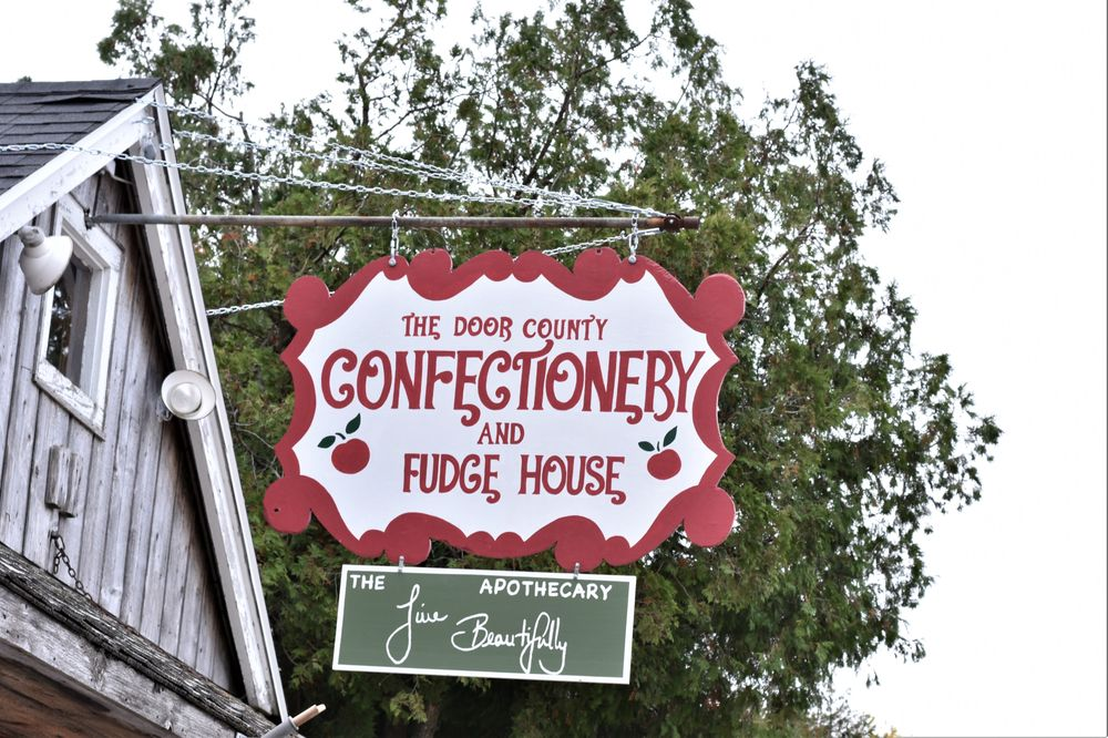 Door County Confectionery & Fudge: 7828 State Highway 42, Egg Harbor, WI