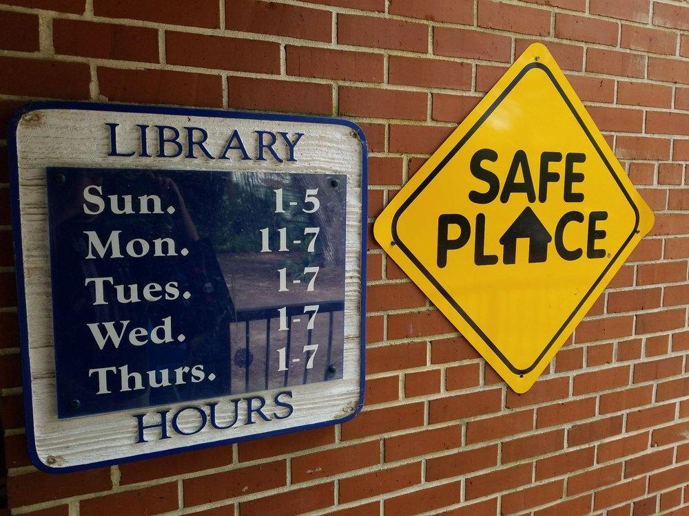 Alachua County Library District - Micanopy: 706 NE Cholokka Blvd, Micanopy, FL