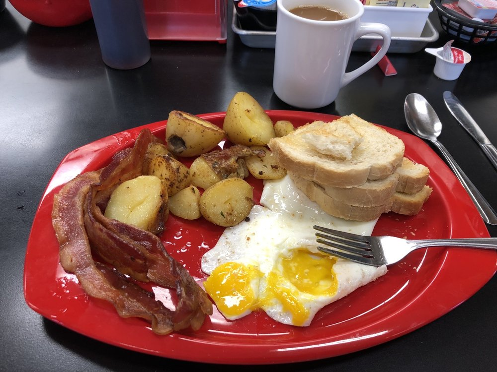 Eclectic Diner & Sweeterie: 755 US Hyw 23 N, Delaware, OH