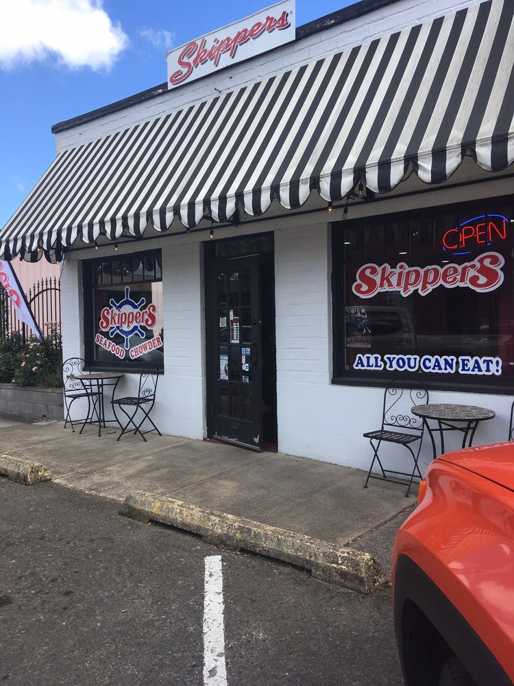 Skippers Seafood & Chowder: 165 Broad St N, Monmouth, OR