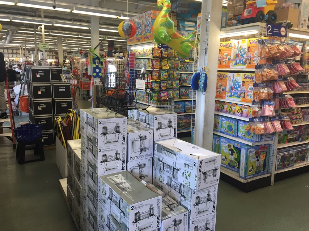 Amazing Savings: 647 Cedar Ln, Teaneck, NJ