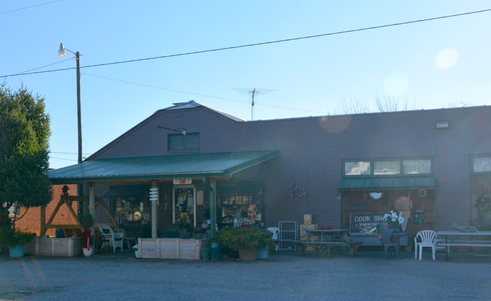 Cook Shack: 1895 W Memorial Hwy, Iredell, NC
