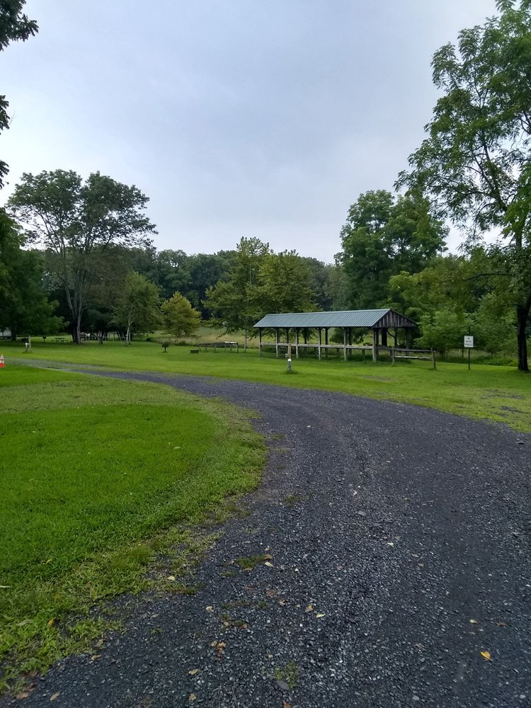 Marino Equestrian Campground: 2890 Hill Road, Green Lane, PA