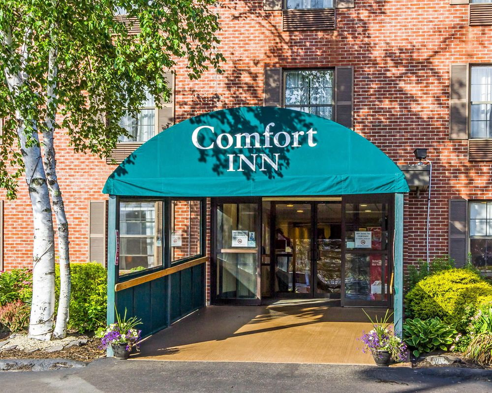 Comfort Inn Airport - 38 Photos & 29 Reviews - Hotels - 90 Maine ...