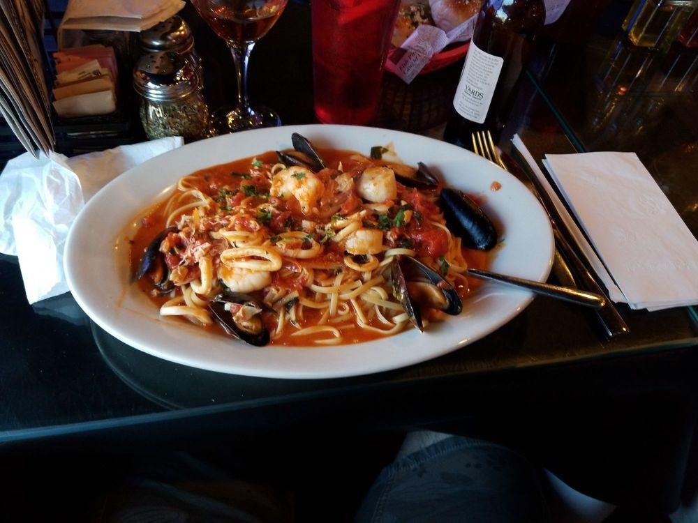 Italian Delite Pizzeria & Restaurant: 734 W Main St, Trappe, PA