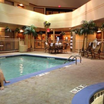 Holiday Inn Express Hotel Suites Brighton Closed Hotels 8079 Challis Dr Brighton Mi