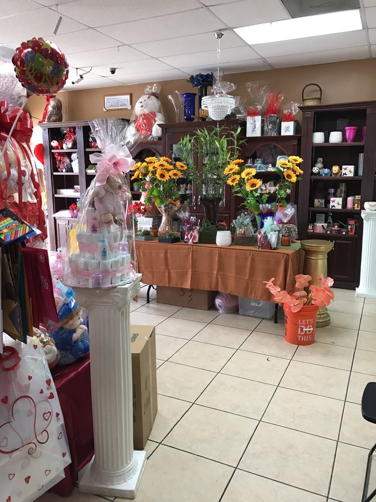 Photo of Fancy Flowers & Gift Shop - Hialeah, FL, United States