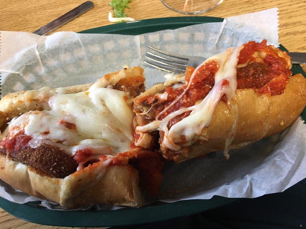 900 Degrees Brick Oven Pizza: 609 E Main St, Purcellville, VA