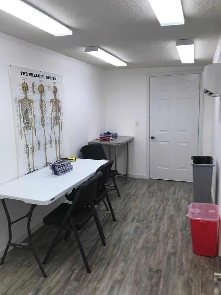 Oakridge Care Pharmacy: 2470 Old Mill Rd, Inman, SC
