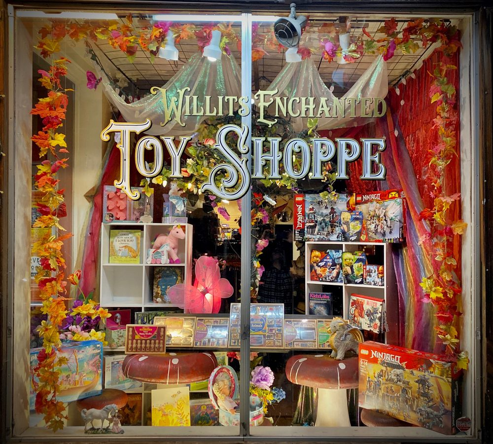 Willits Enchanted Toy Shoppe: 38 South Main St, Willits, CA