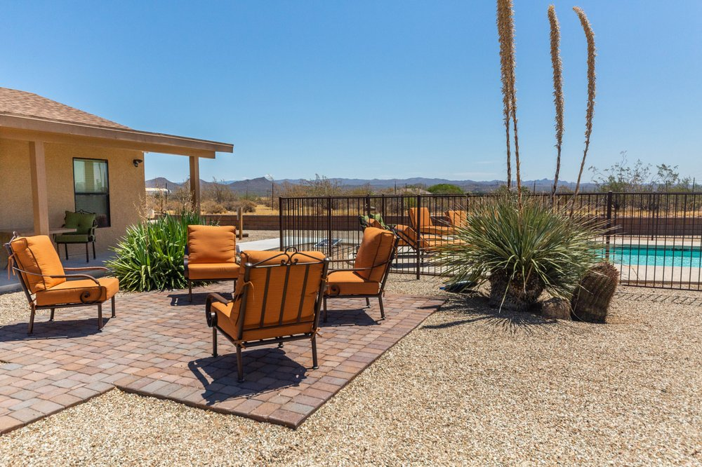 Willow House at The Meadows: 2075 N Vulture Mine Rd., Wickenburg, AZ