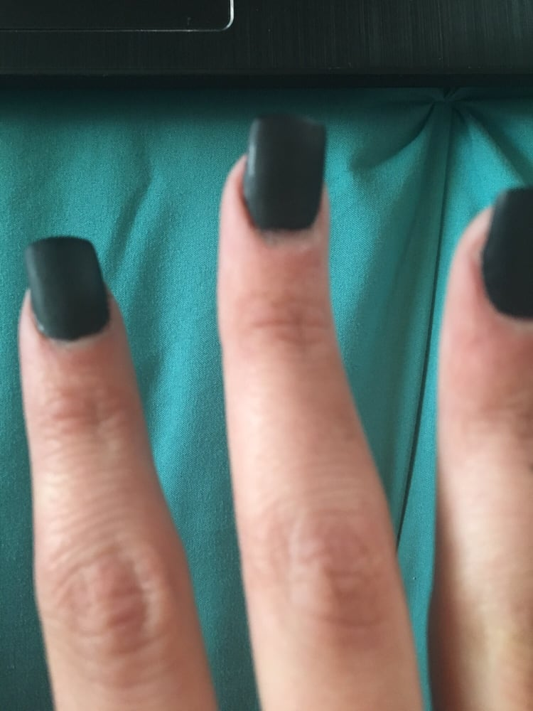 One of my fake nails is crooked and it\'s obvious. Horrible job done ...
