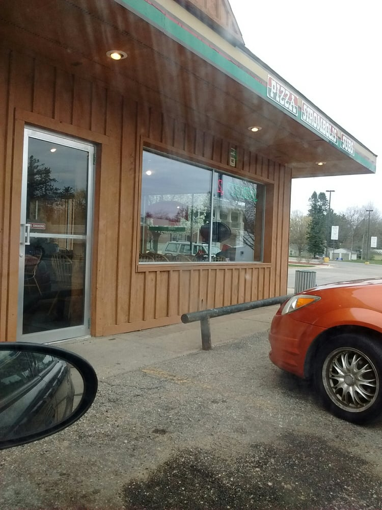Pompeii's: 751 Michigan Ave, Baldwin, MI