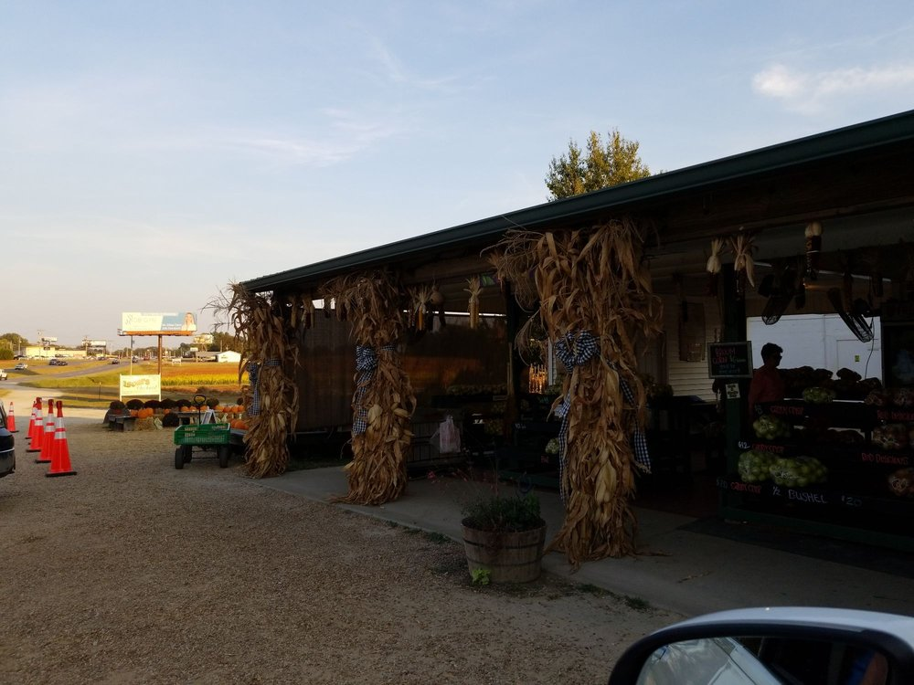 Isom's Orchard: 24012 US Hwy 72 E, Athens, AL