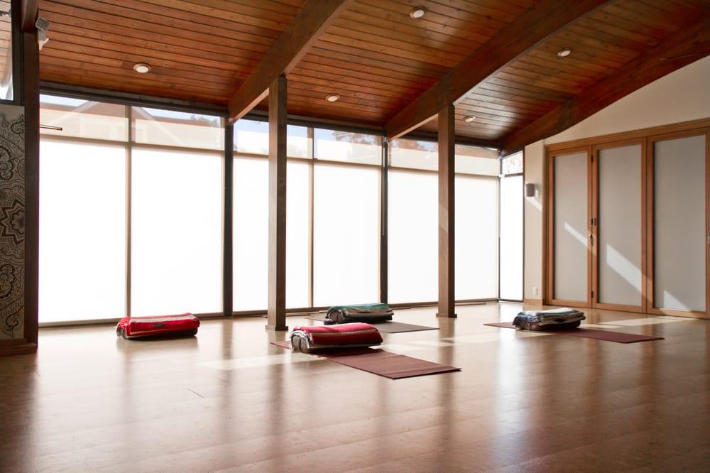 Social Spots from Black Mountain Yoga
