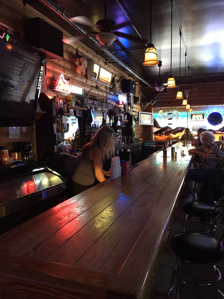 Suzy's Saloon: 111 N 2nd St, Peotone, IL