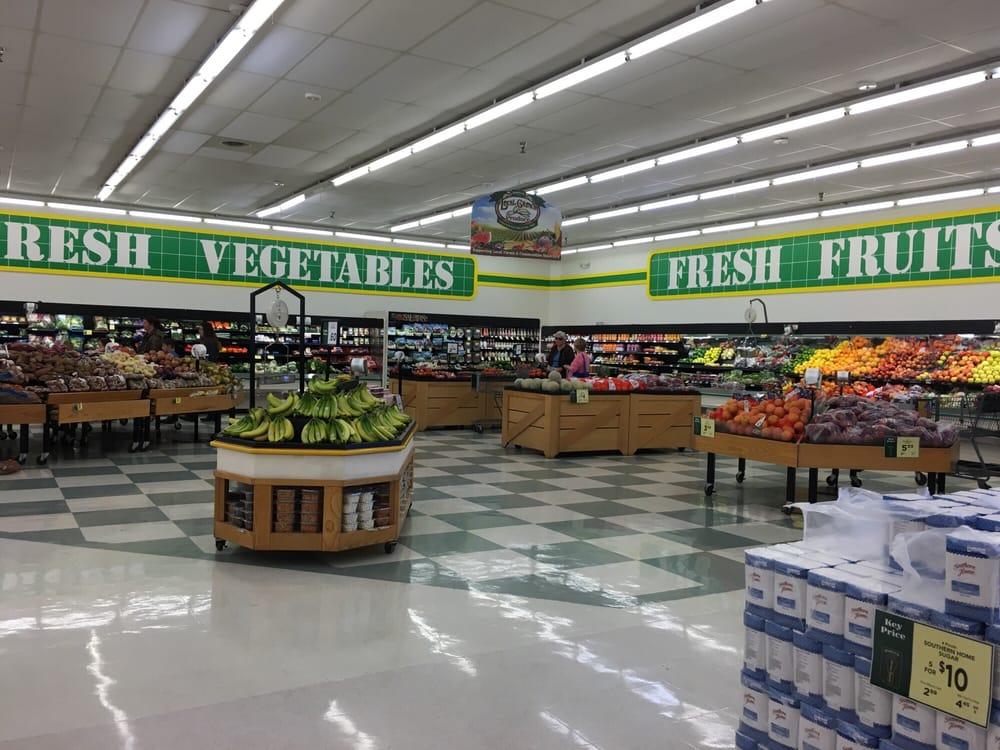 Harvey's Supermarket: 3212 SE State Rd 21, Melrose, FL