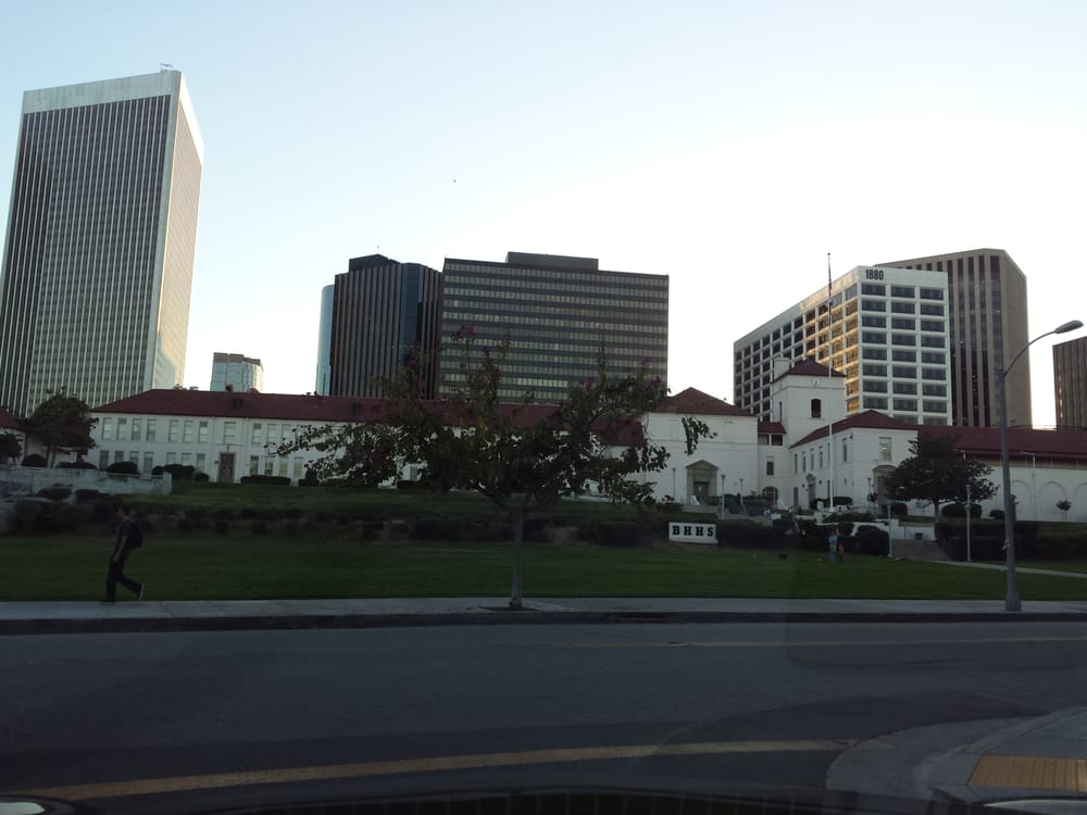 Restaurants Near Beverly Hills High School