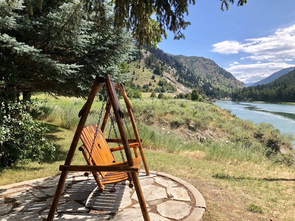 Flying Saddle Resort - 45 Photos & 42 Reviews - Hotels