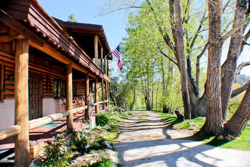 Rainbow Tarns Bed & Breakfast: 505 Rainbow Tarns Rd, Mammoth Lakes, CA
