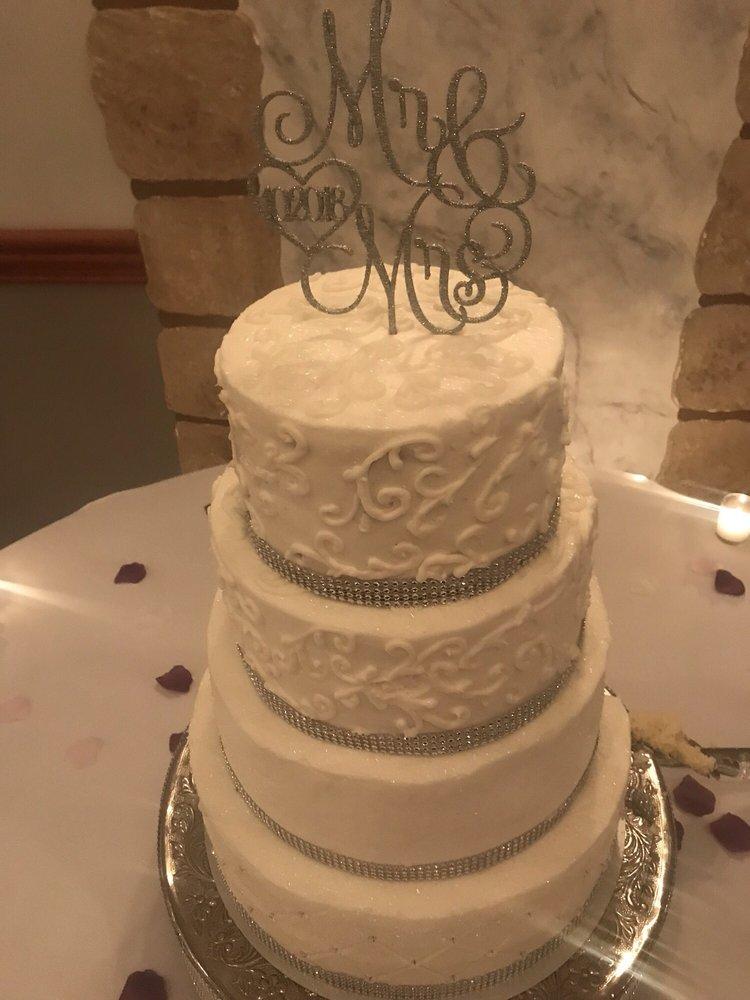 Bake Shoppe: 511 E Main St, Saint Henry, OH