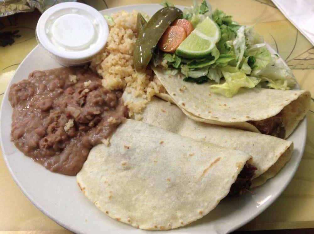 Medina's Authentic Mexican Food: 510 S Alamo Blvd, Marshall, TX