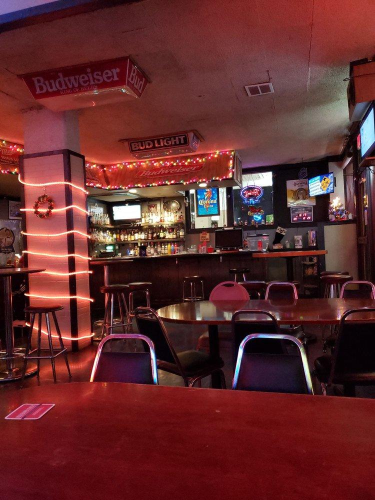 Brews and Cue's: 104 S 2nd St, Yakima, WA