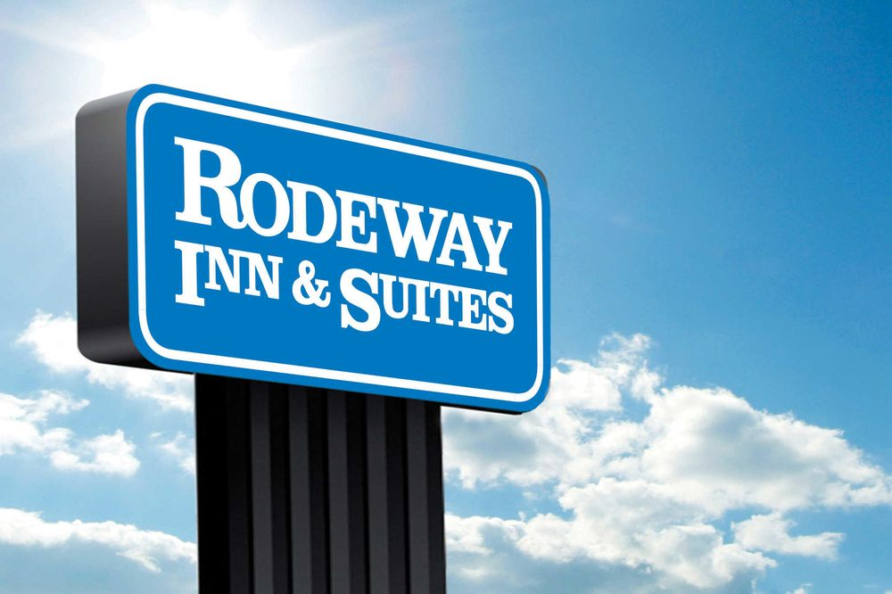 Rodeway Inn & Suites: 563 North Country Club Drive, Cullowhee, NC