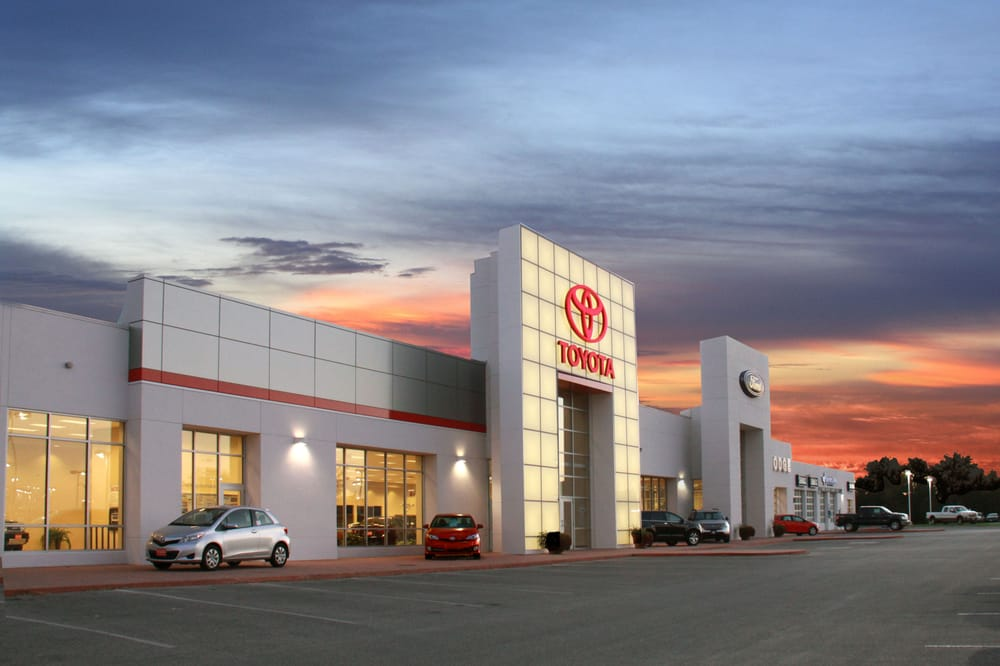 Fort Dodge Toyota: 2723 5th Ave S, Fort Dodge, IA