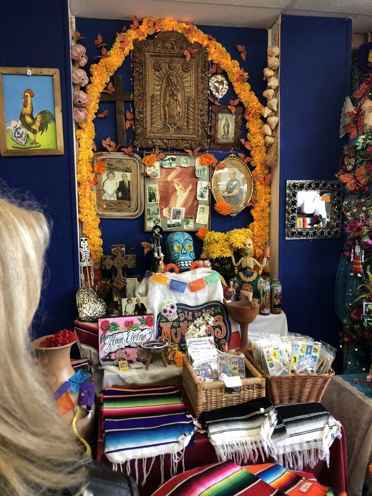 Casa Ramirez FOLKART Gallery: 241 W 19th St, Houston, TX