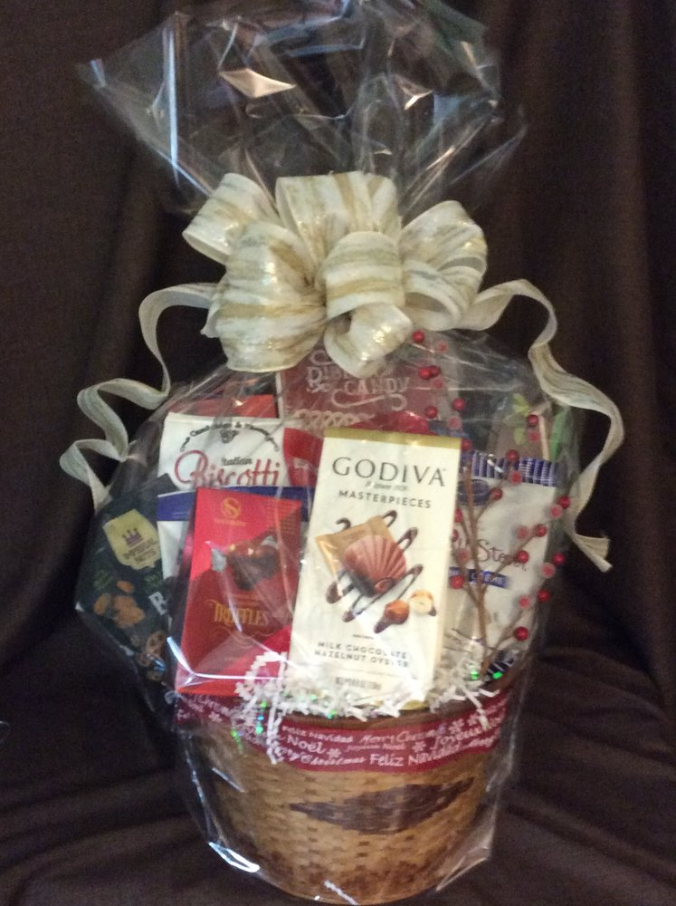 Delectable Gourmet & Fruit Gift Baskets: Largo, FL
