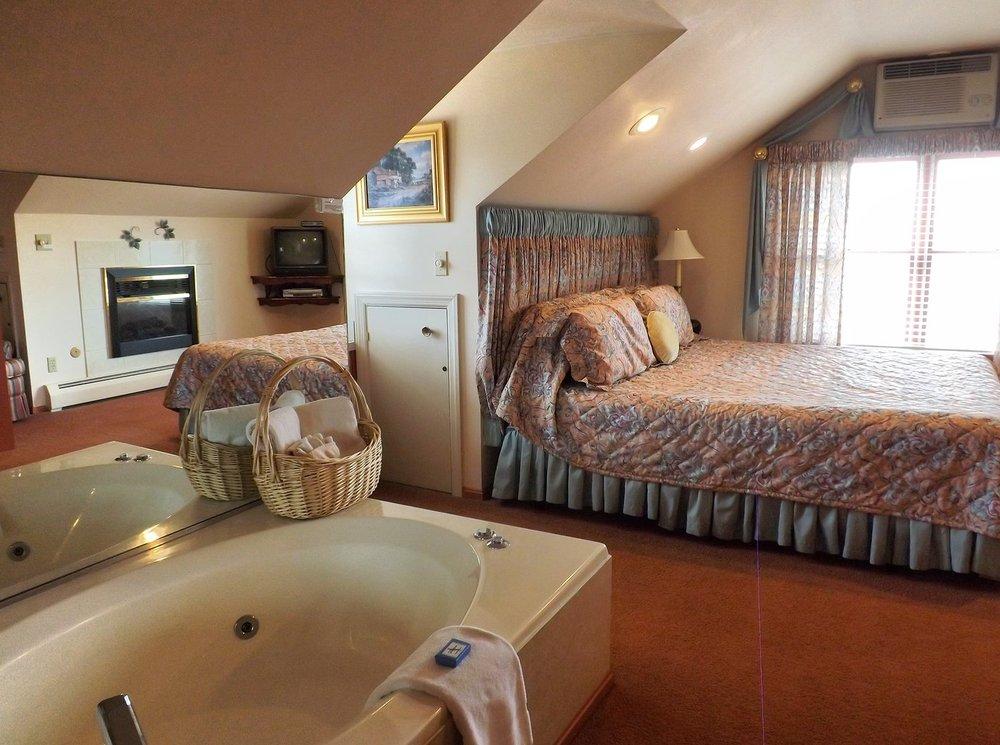 West Ridge Bed and Breakfast: 1285 W Ridge Rd, Elizabethtown, PA