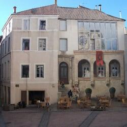 Fresque en trompe-l'oeil - Montpellier, France. Fresque Place Saint Roch