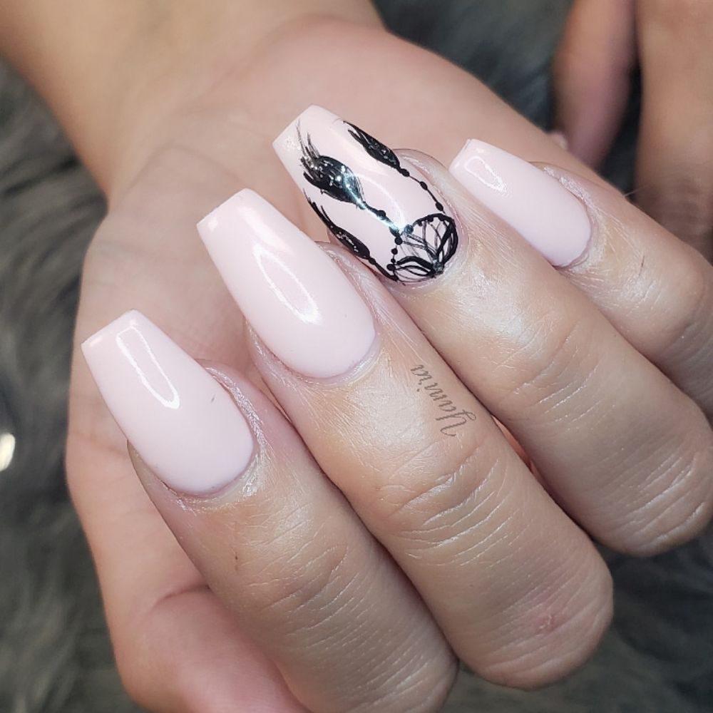 Dollish Polish Nail Studio: 119 E Rialto Ave, Rialto, CA