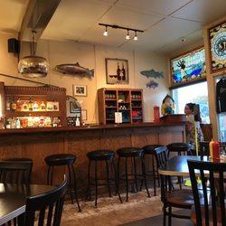 Dinghy S Restaurant Bar Frankfort Mi