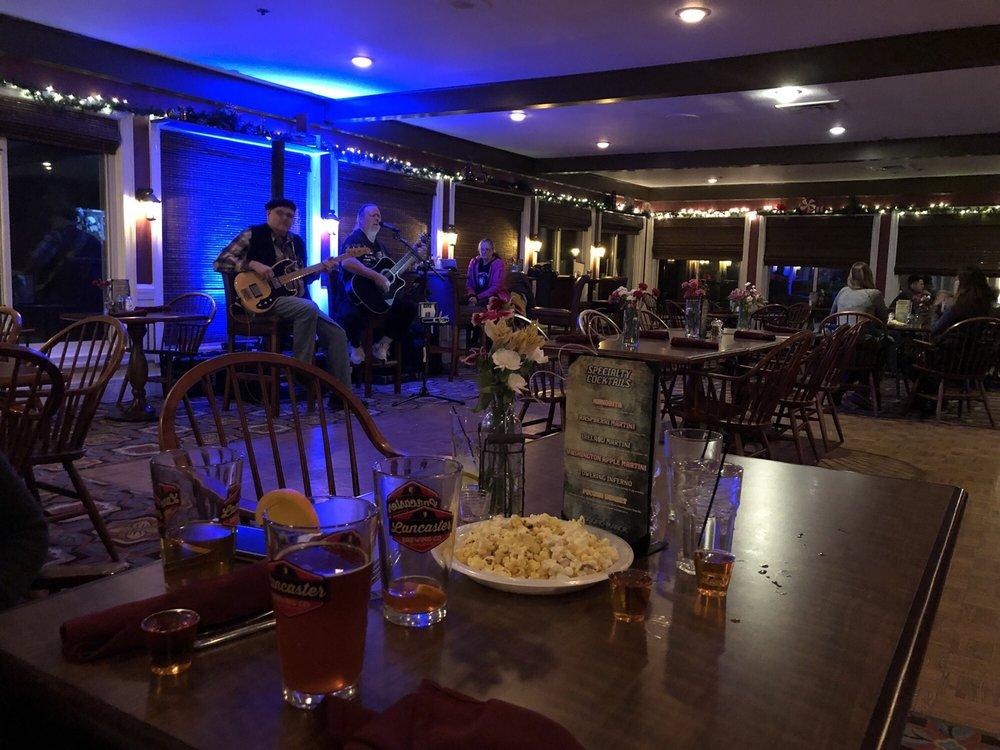 Lamplighter Lounge: 1 Manor Dr, Pocono Manor, PA