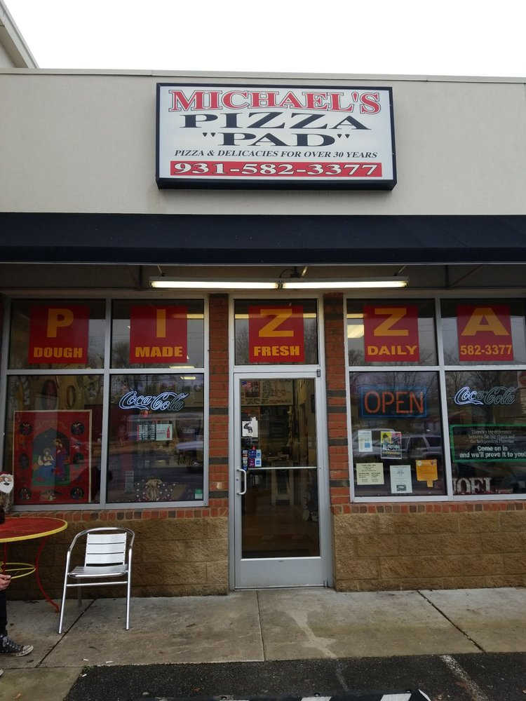 Michael's Pizza PAD: 10039 US Highway 70 E, McEwen, TN