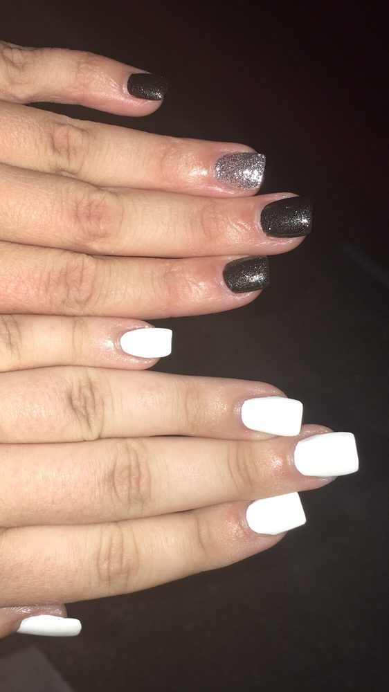 Passion Nails: 17230 Hwy 17, Hampstead, NC