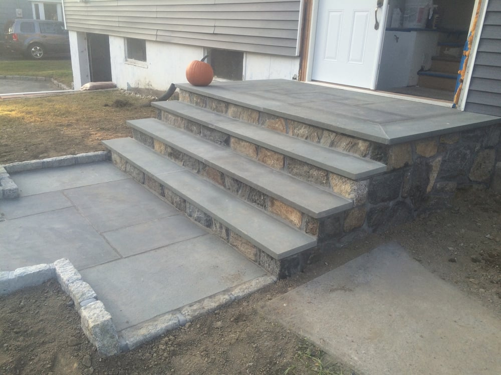 Bluestone Walkway With Bluestone Treads Veneer Risers And