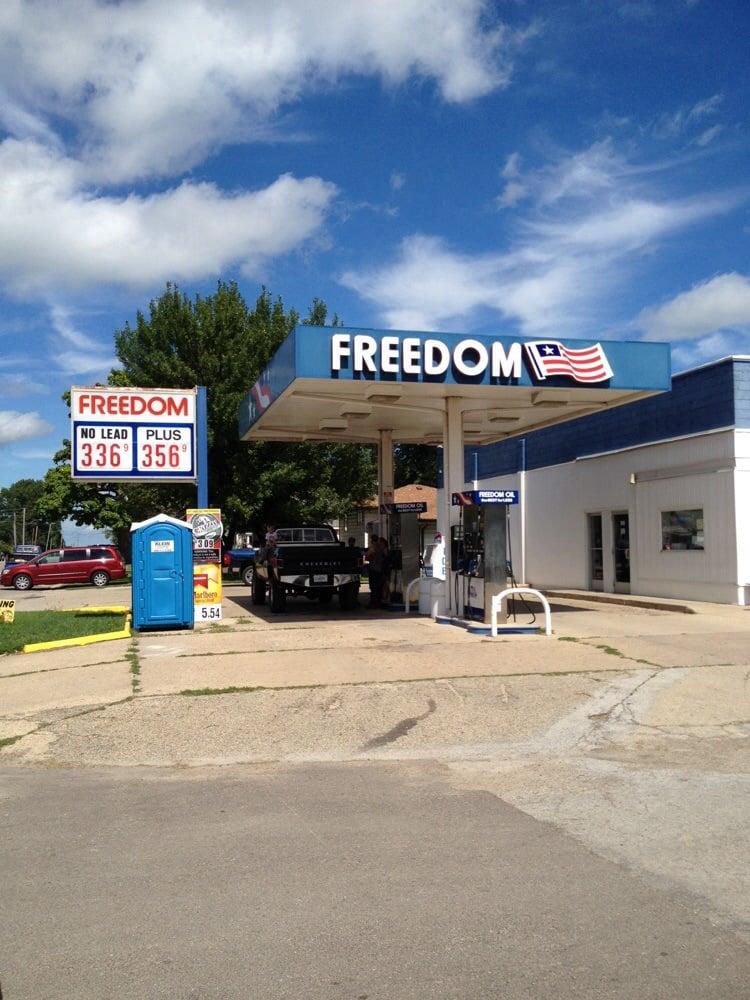 Freedom Oil: 404 N Main St, Toluca, IL