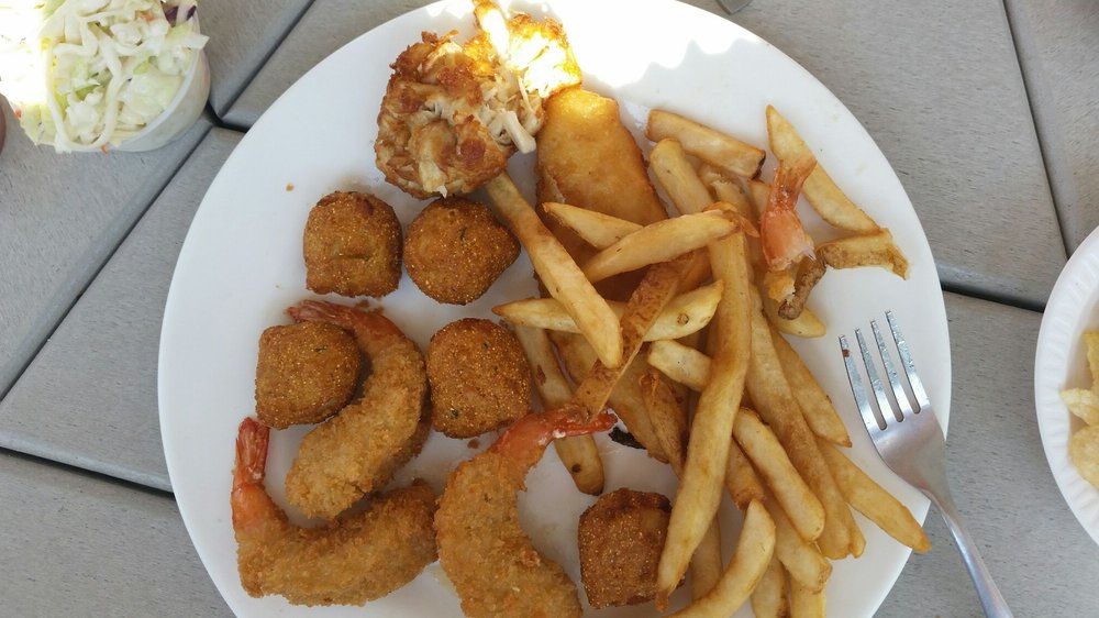 Stoney's Seafood House: 3939 Oyster House Rd, Broomes Island, MD