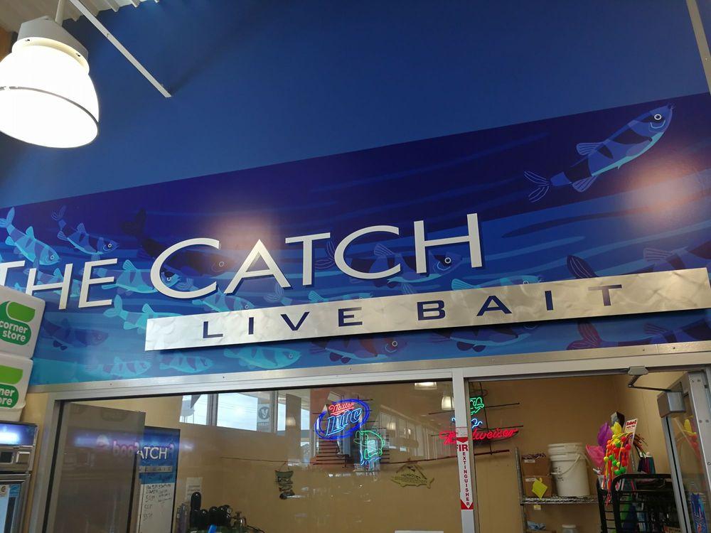Corner Store: 13710 US Hwy 190 W, Onalaska, TX