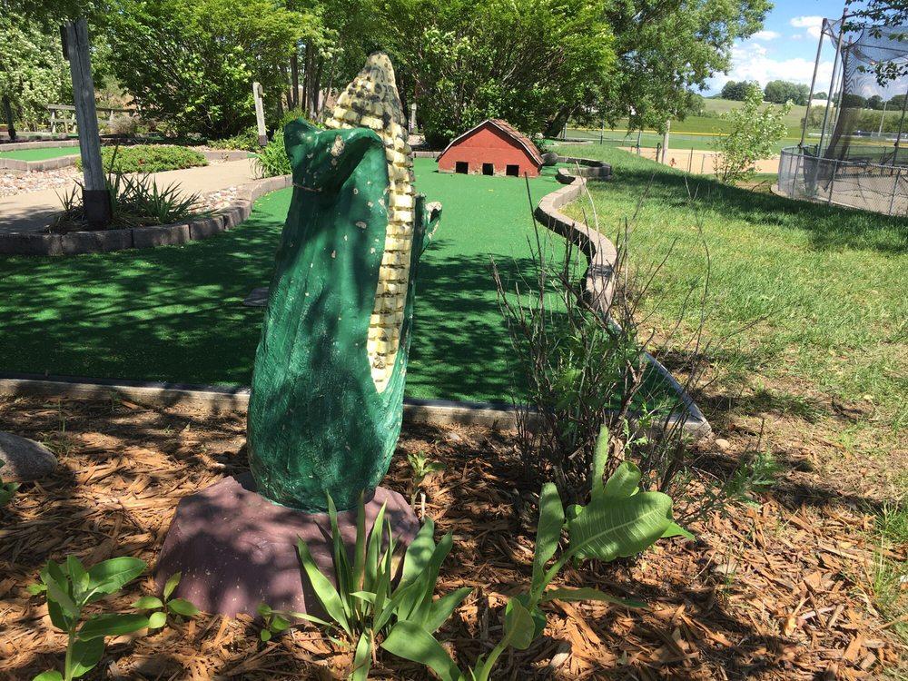 Derby Grange Golf & Recreation: 13079 Derby Grange Rd, Dubuque, IA