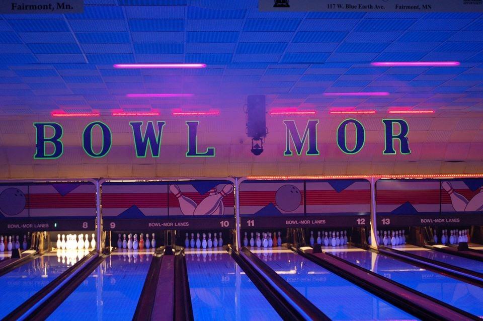 Bowlmor Lanes & Lounge: 617 S State St, Fairmont, MN